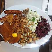 image of the mixed platter at sweet and savoury one of the cheap places to eat in Niagara falls, ontario